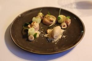 Foie gras  ( chaud – froid )  Gingembre | yuzu | noisette 2° service