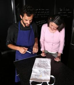 Yoni Saada signe le tablier de Dany