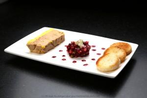 Mon foie gras vanille basse température, salade betteraves et pommes, réduction de jus de betterave au vinaigre de framboise
