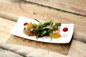 Foie gras en cromesquis, langoustine panée, gel de Kalamansi et qumquat, micro-végétaux