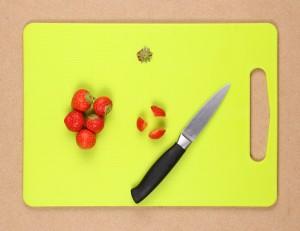 fraises coupées en trois