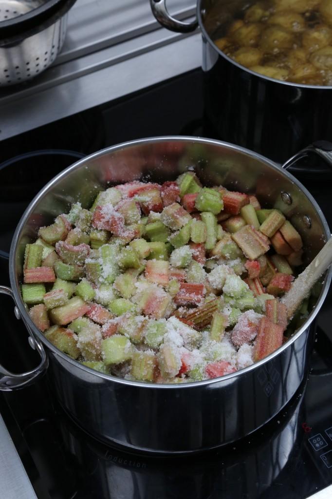 Bien mélanger rhubarbe et sucre