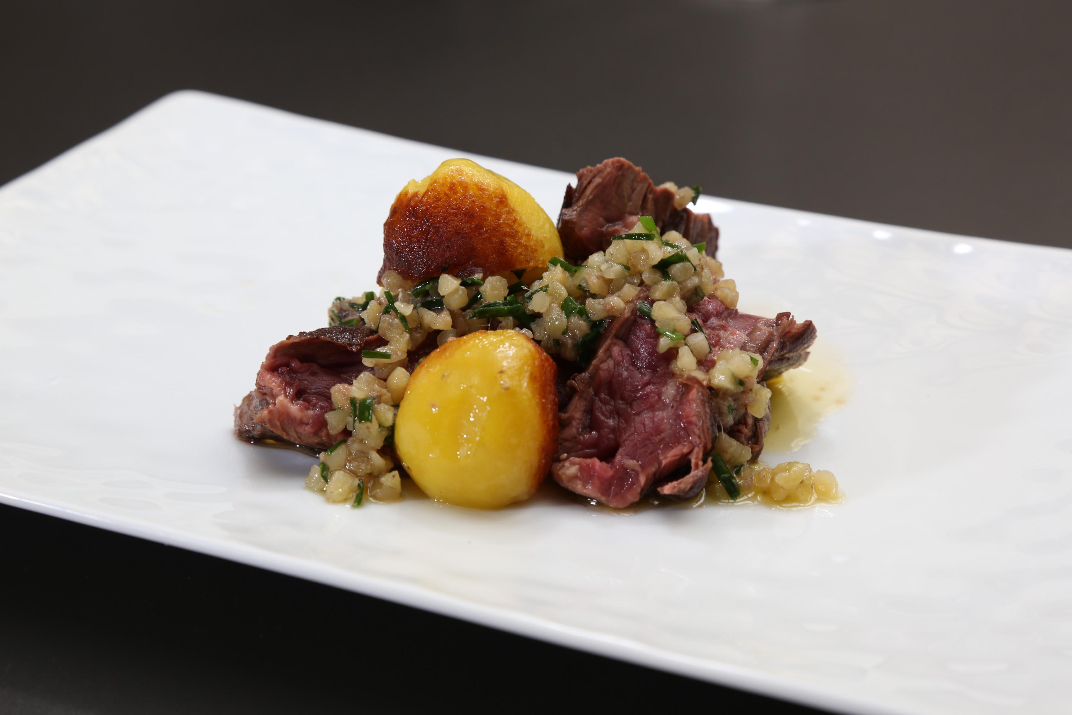 Onglet au beurre d 39 anchois et pommes de terre nouvelles de florent ladeyn finaliste top chef - Pomme de terre au beurre ...