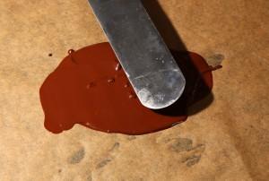 Etalez le chocolat à l'aide d'une spatule