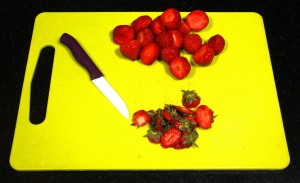Équeutez les fraises