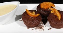 Petits bouchons chocolat noisette, crème anglaise à la mandarine confite