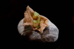 Chips de boudin et billes aux pommes