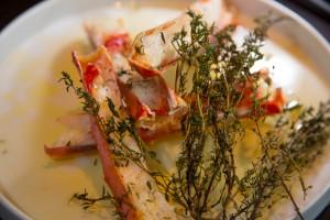 Manchons de crabe Royale grillés au beurre de thym et crème d'ail