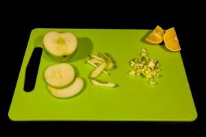 Coupez la pomme en petits dés