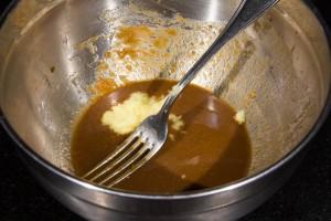 Ajoutez le gingembre à la sauce