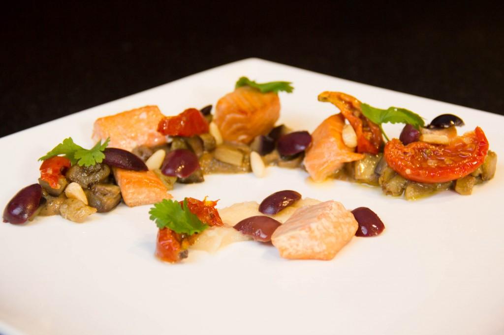 Truite fumée, caviar d'aubergine