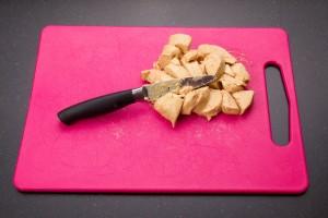Coupez grossièrement 200 gr de foie gras.