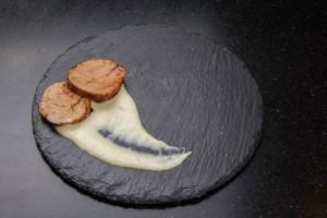Puis déposez deux tranches de foie gras