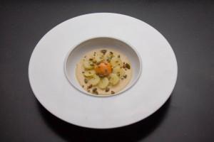Jaune d'oeuf crémeux au foie gras, pommes de terre basse température