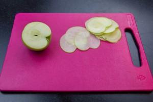 Coupez les pommes en tranches trés fines