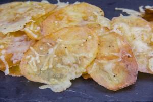 Chips de pommes de terre au fromage sans huile