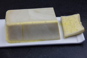 Taillez le pain de sole en tranches d'un centimètre