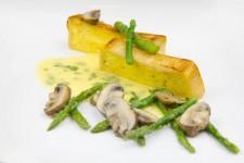 Pain de sole brioché croustillant et ses petits légumes au beurre blanc