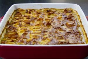 Gratin de pommes de terre au lard et oignons