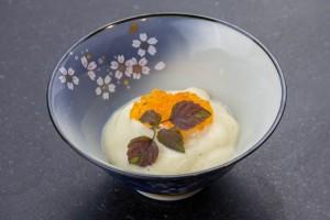 Oeuf parfait basse température, crème de choux fleur et tarama