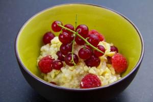 Riz au lait à la vanille, lait de coco et fruits rouges ( recette sous vide)