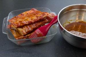 Puis coupez vos travers de porc en quatre portions chacun