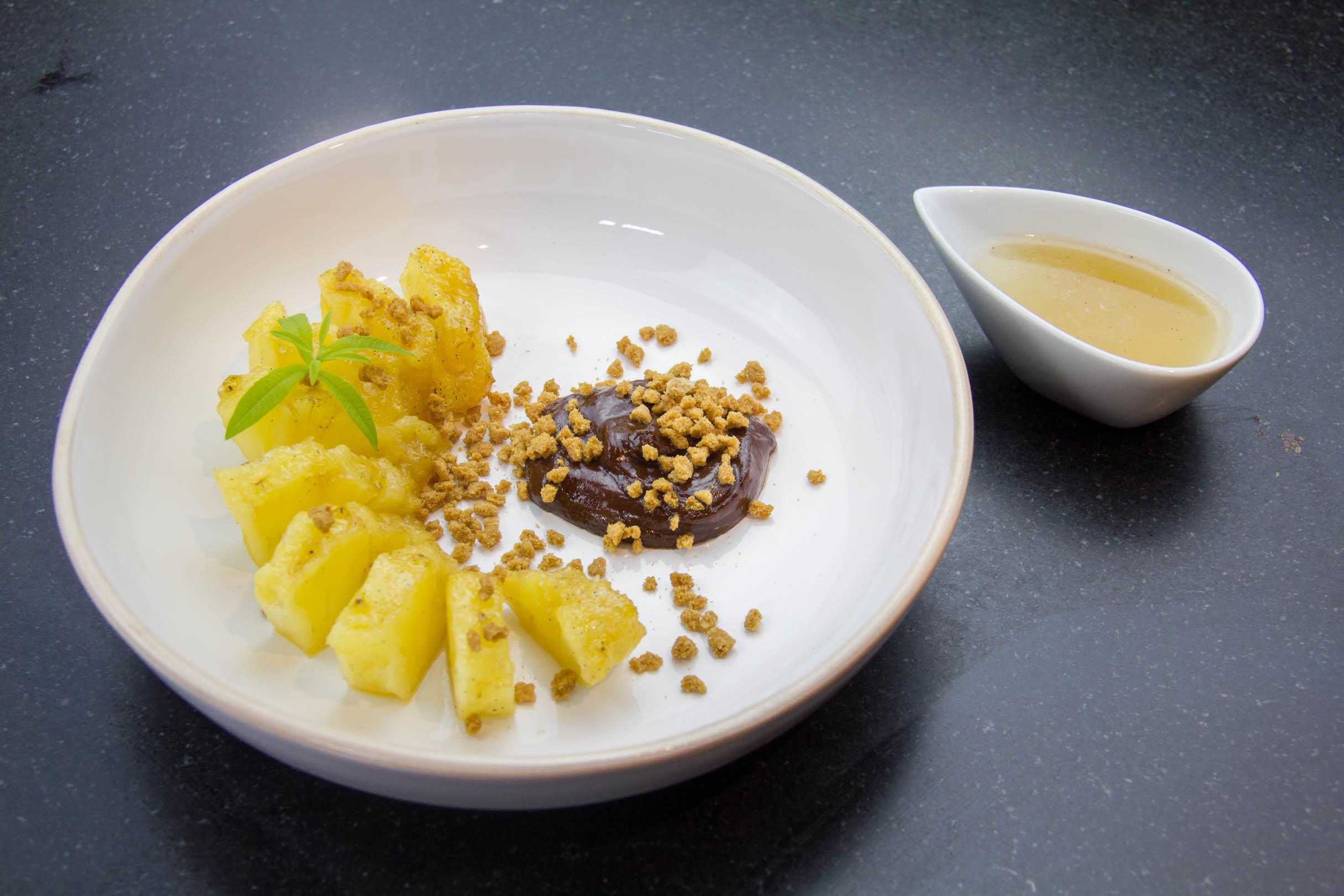 ananas au sirop d'épices, cuisson basse température - [les