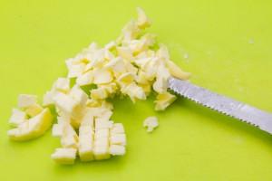 Coupez le beurre en tout petits cubes