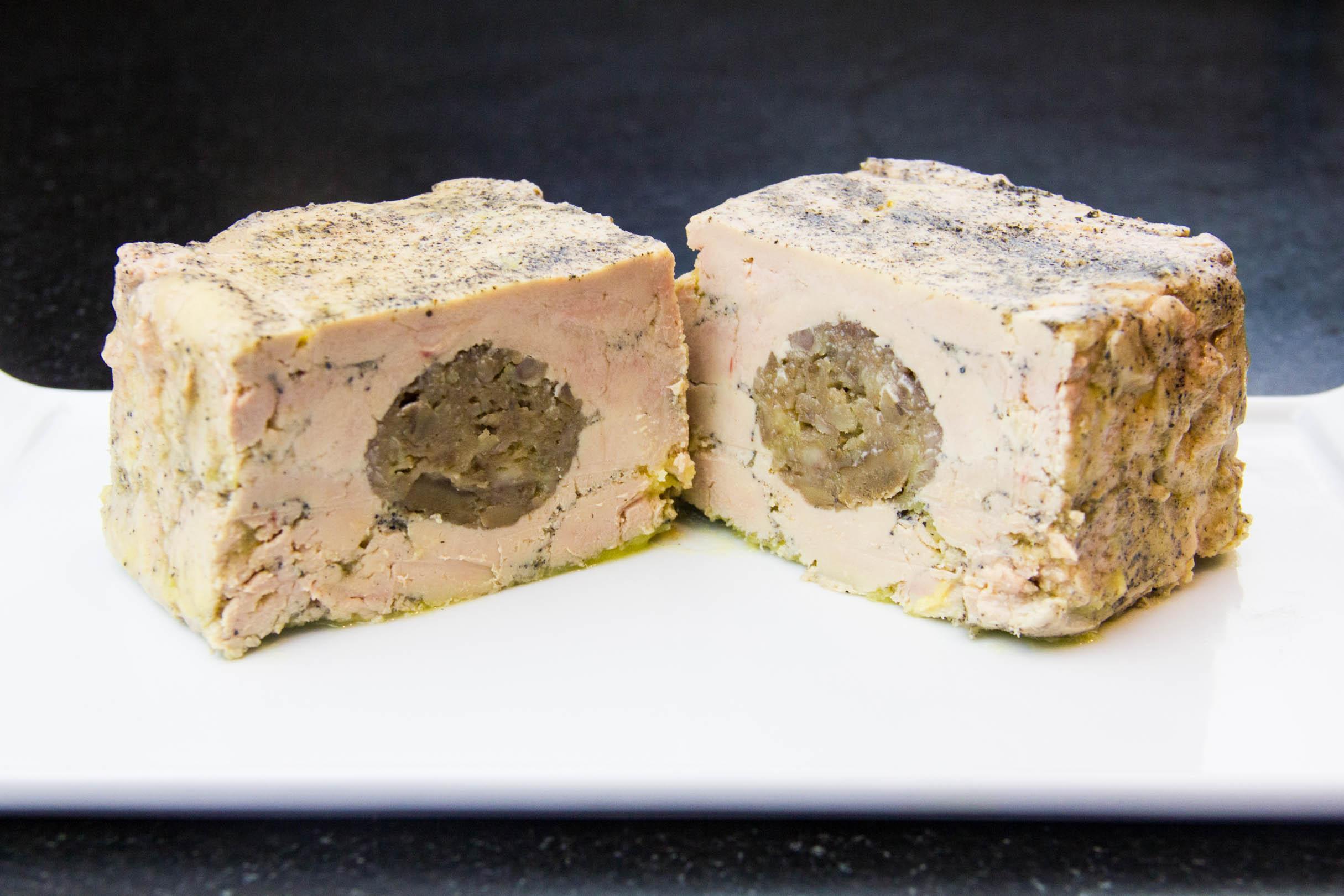 Terrine de foie gras maison aux marrons et au cognac les gourmantissimes - Foie gras maison en terrine ...