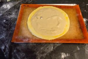 déposez la crème frangipane en rond
