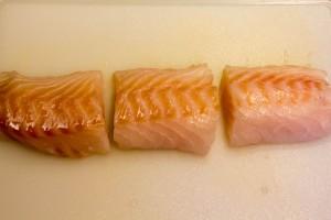 Coupez le dos de cabillaud en portions