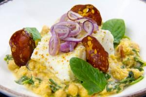 Cabillaud, purée de pois chiche et épinards au chorizo (recette sous vide basse température)