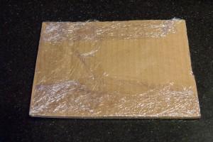 Préparez un couvercle en carton au dimension du cadre