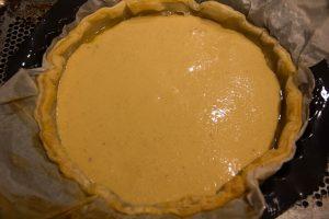 Versez la préparation dans la tarte