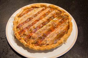La tarte à la rhubarbe à la sortie du four