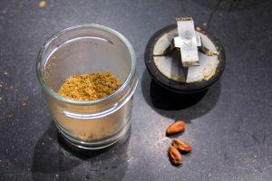 Mixez 30 g de pistaches