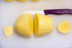Tailles les pommes de terre