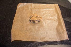 Posez le mélange sur un papier cuisson