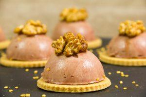 Elégantes tartelettes de foie de volaille, coeur mangue et oignon