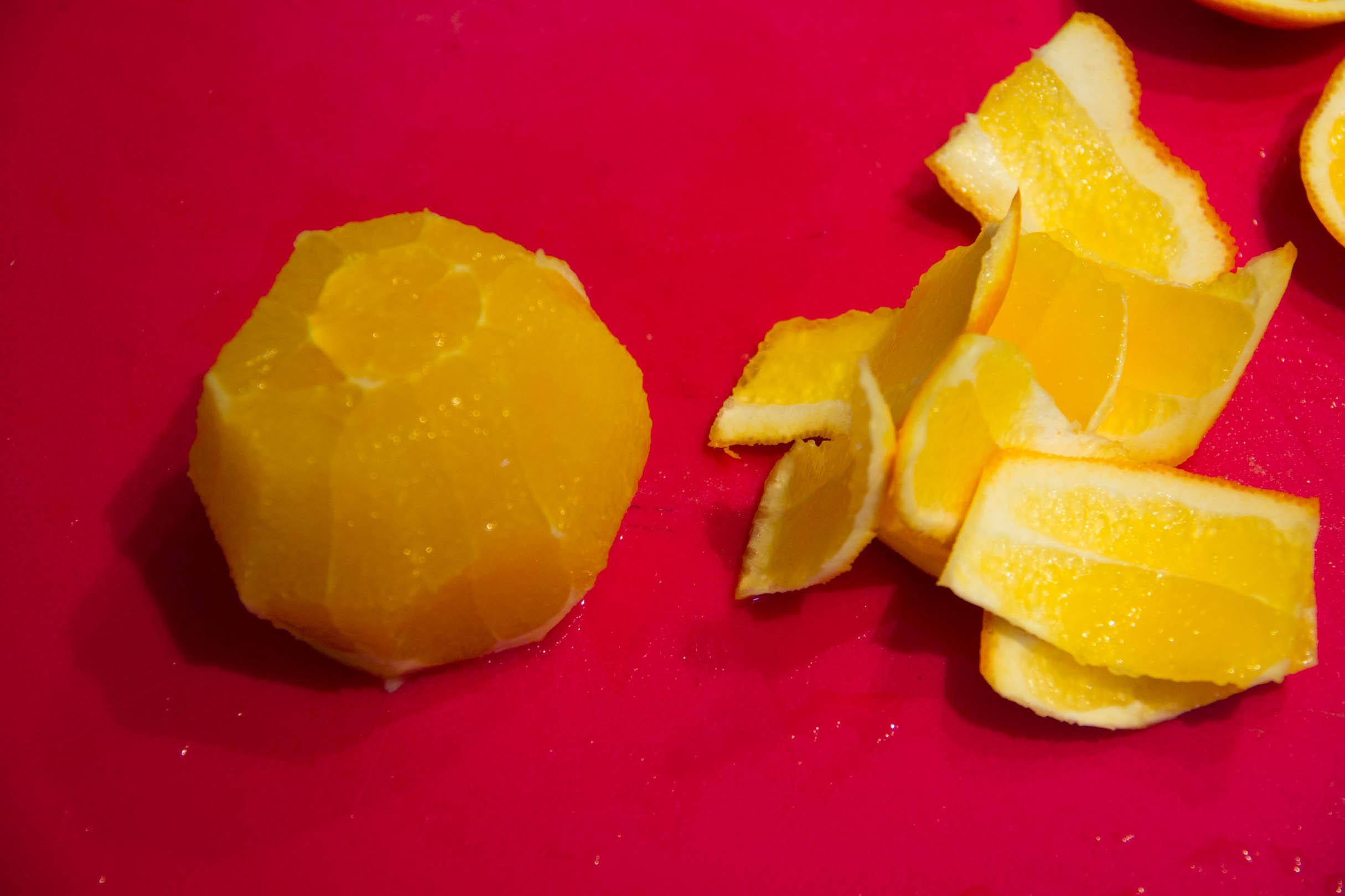 Ôtez l'écorce de l'orange
