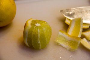 Pelez à vif le citron