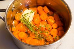 Cuire doucement les carottes