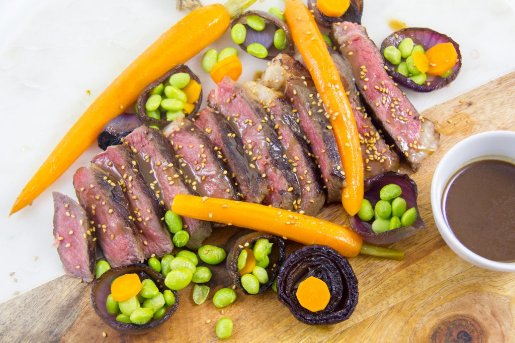 Boeuf Wagyu basse température et légumes au sésame