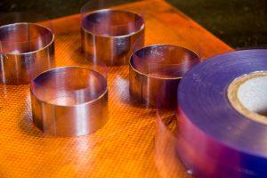 Chemisez vos cercles avec le ruban de rhodoïd