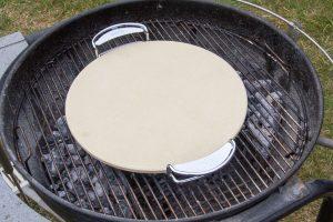 Faites chauffer la pierre à pizza