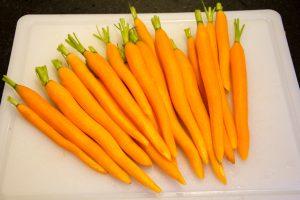Épluchez et pelez les carottes