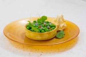 Tartelettes printanières aux petits pois et espuma au chorizo