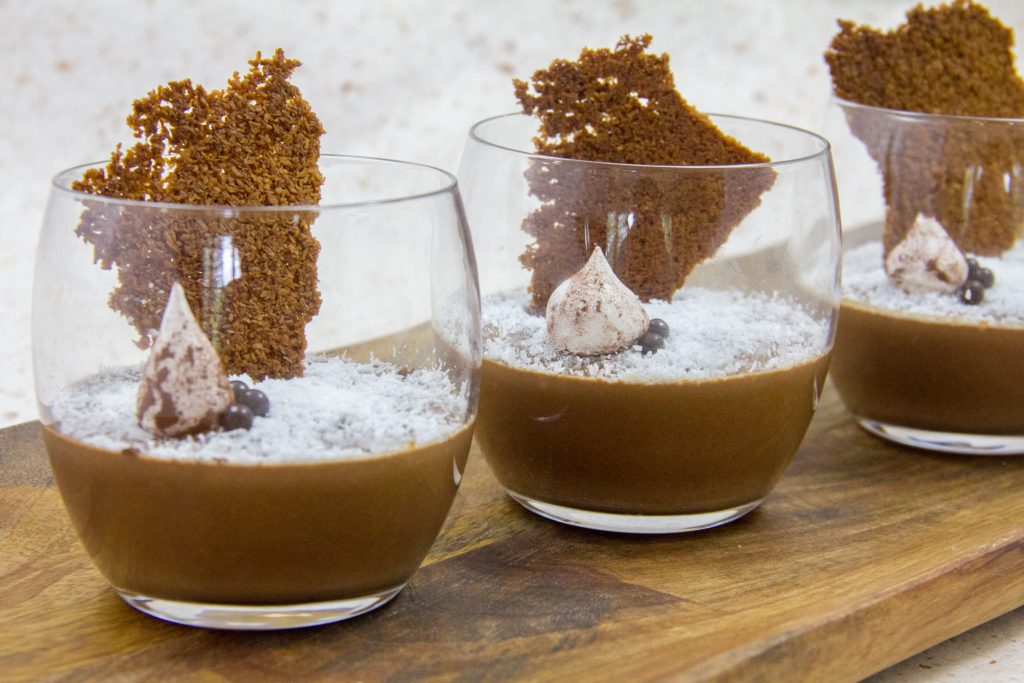 Crème Végan onctueuse au chocolat et noix de coco, sans oeuf ni lactose