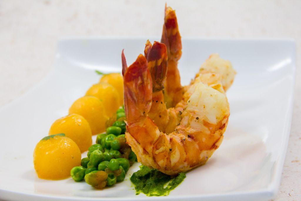 Crevettes tigre basse température, melon et petits pois