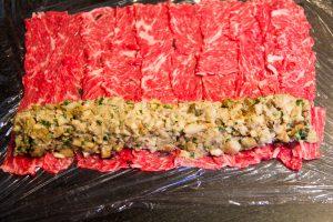 Puis déposez votre mélange cèpes échalote sur la viande